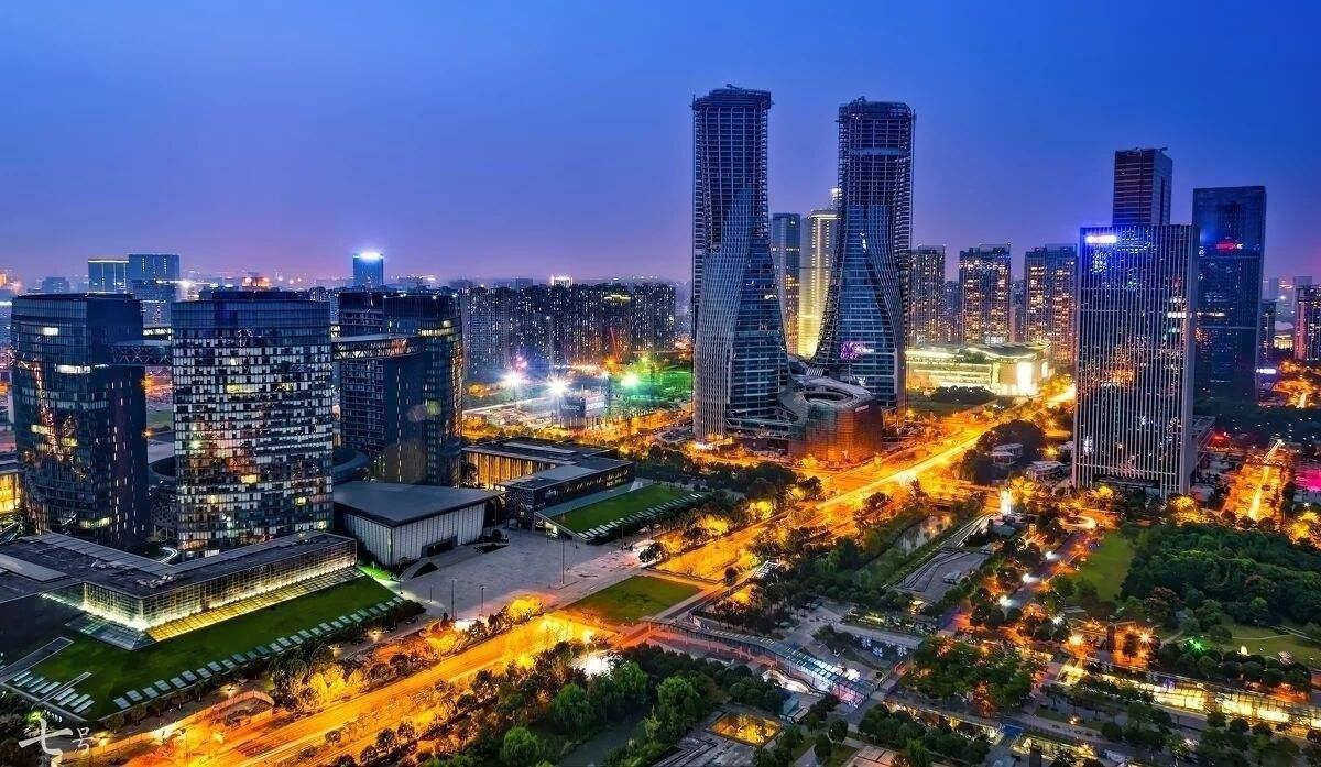 杭州楼市调查:地王入市难 摇号助推P2P爆雷