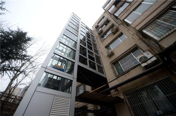 杭州老小区加装电梯电力配套工程完成 为装梯提供条件