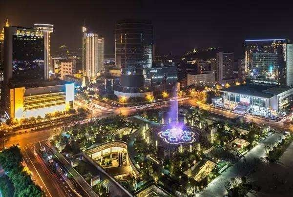 杭州武林商圈旁又要多一个商务综合体 地下有四层停车场 还连接地铁5号线