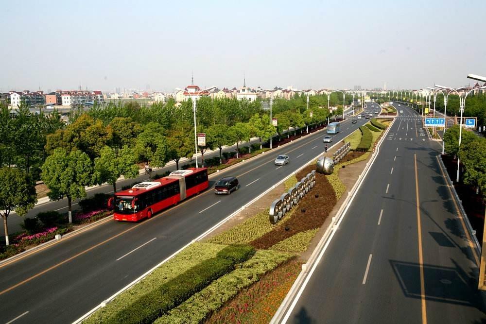 杭州道路进入集中修缮期!庆春路、秋涛北路等35条道路 计划4月10日前完工