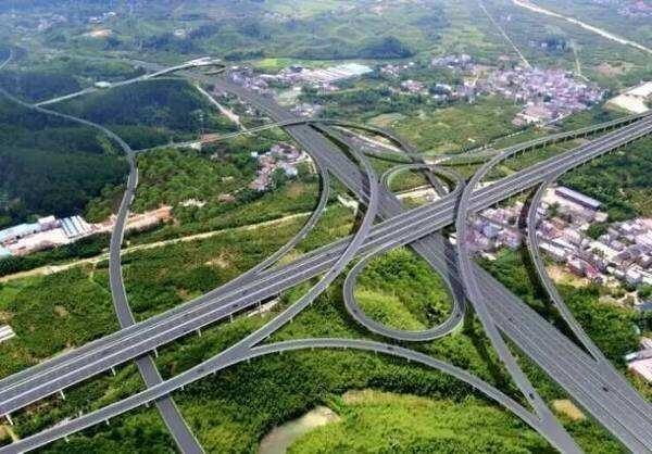 建金高速争取明年底通车 临建高速计划年内开工