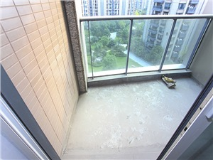 东方福邸二手房-阳台