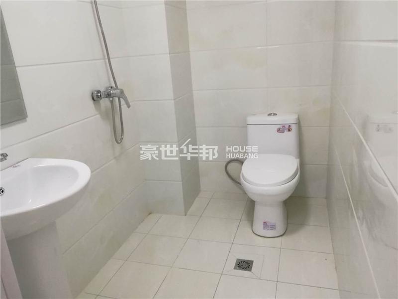 东新园出租房-卫生间