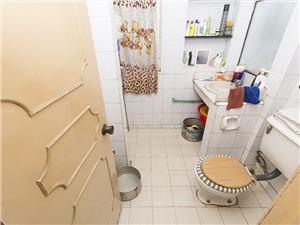 假山新村二手房-卫生间