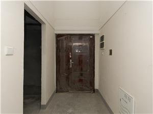 金沙湖1号二手房-玄关