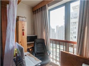 21自由公寓二手房-阳台