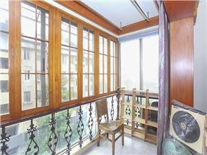 物华小区二手房-阳台