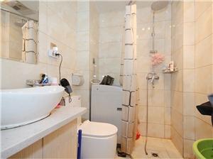 三里家园二手房-卫生间