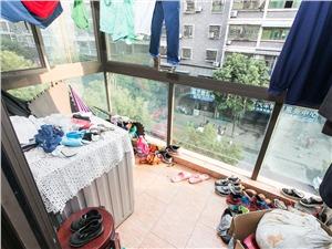 东城丽景二手房-阳台
