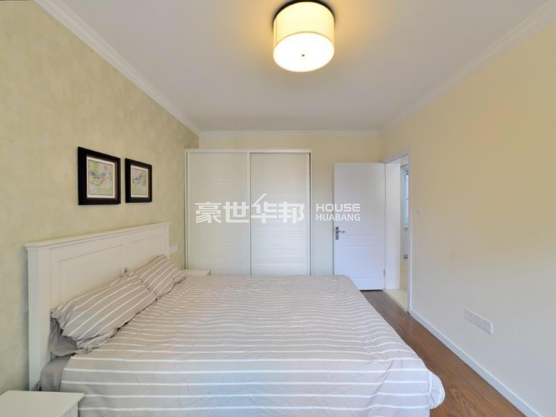 紫金观巷出租房-次卧
