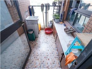 文景苑二手房-阳台