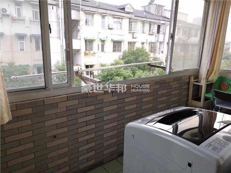 朝晖九区出租房-阳台