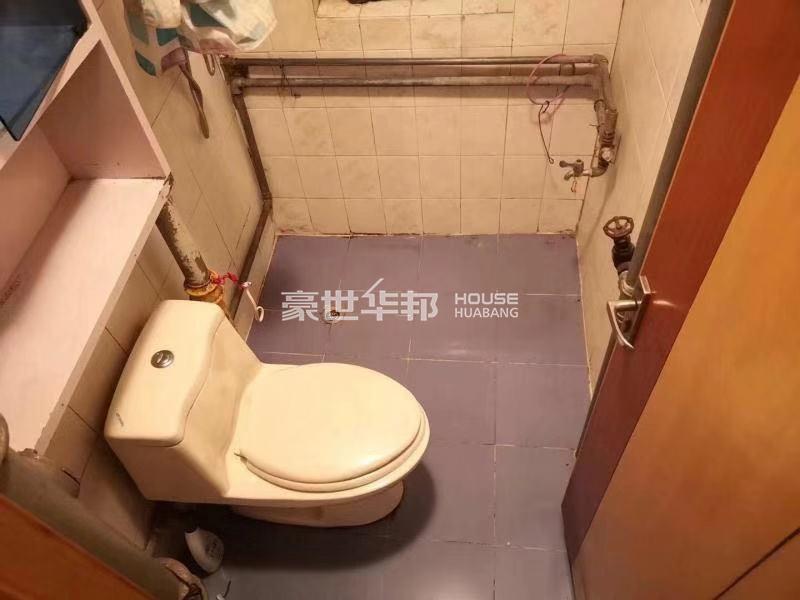 朝晖九区出租房-卫生间