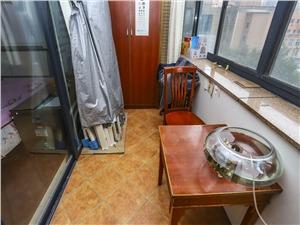 晶典公寓二手房-阳台
