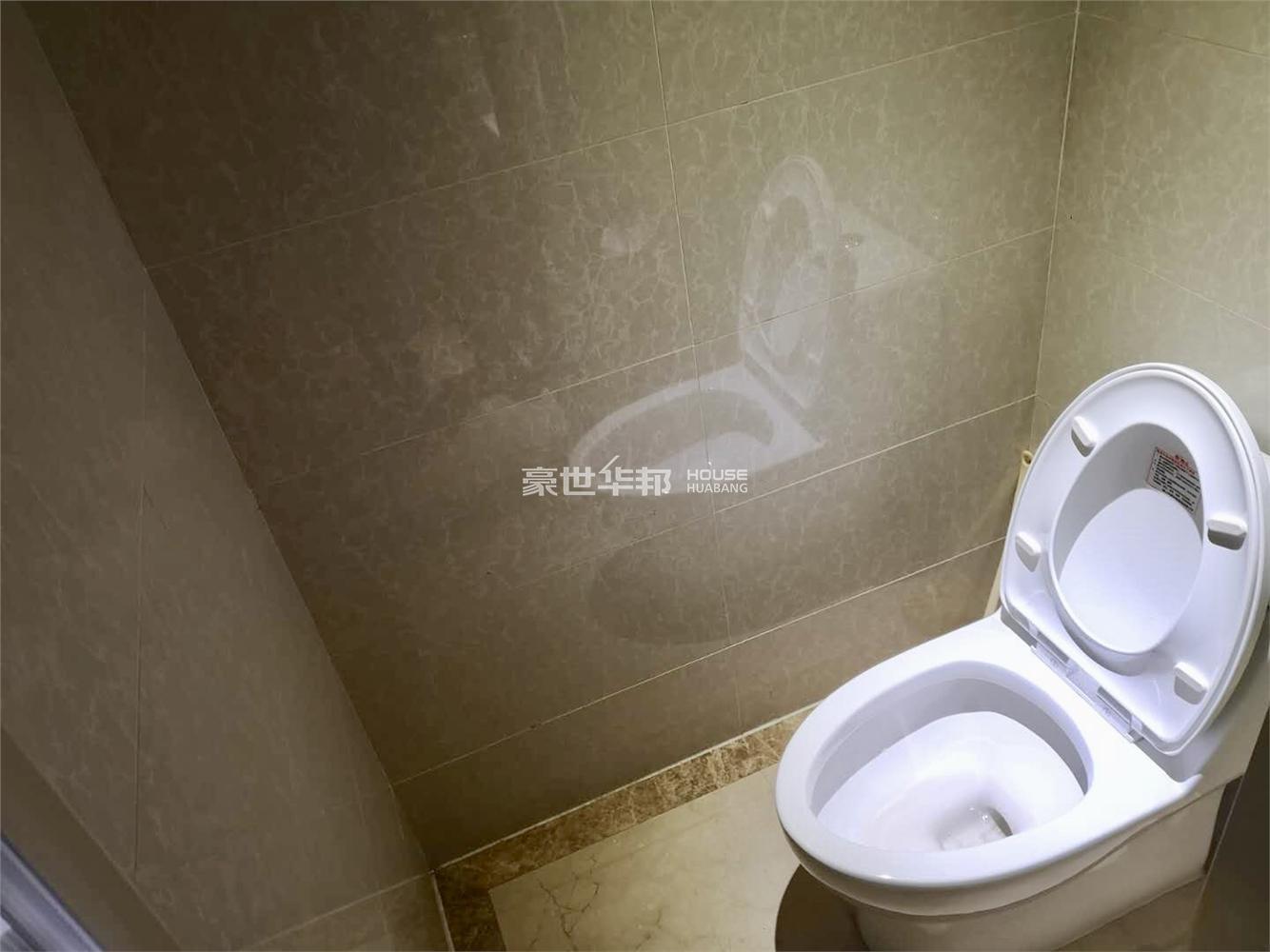 同人广场出租房-卫生间