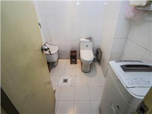 广仁小区二手房-卫生间