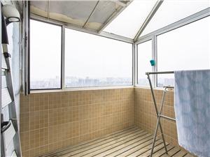 亲亲家园三期二手房-阳台