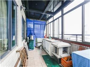 彩虹城二手房-阳台