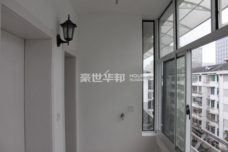 九莲新村出租房-阳台
