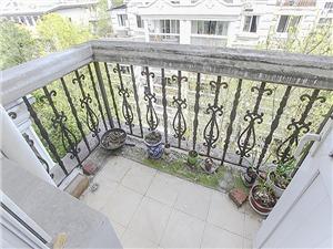颐景园二手房-阳台