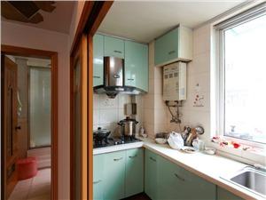 十亩田家园二手房-厨房