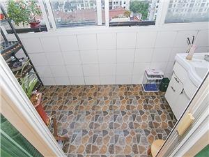 新金都城市花园二手房-阳台