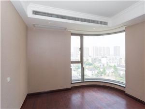 丽江公寓二手房-次卧