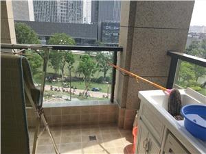 理想银泰城二手房-阳台