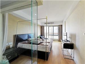 云龙公寓二手房-主卧