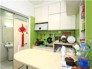 南班巷小区二手房-厨房