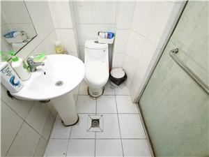南班巷小区二手房-卫生间