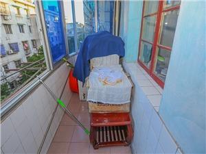 新星小区二手房-阳台
