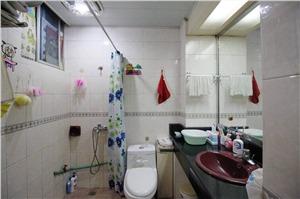 中山花苑二手房-卫生间