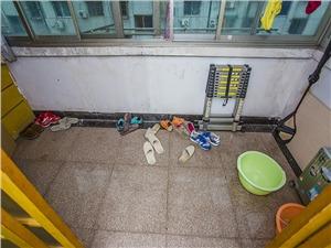 润达花园二手房-阳台