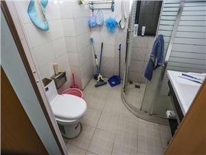 万和国际二手房-卫生间