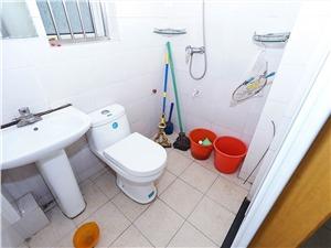 景芳三区二手房-卫生间