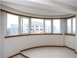 金茂大厦二手房-阳台
