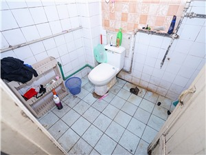 凯旋新村二手房-卫生间