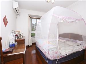 香樟公寓二手房-主卧