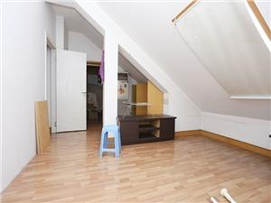 香樟公寓二手房-储物间