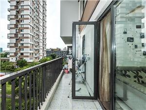 银领时代二手房-阳台