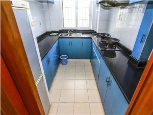 西湘公寓二手房-厨房