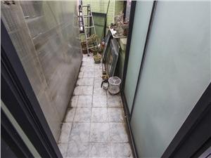 亲亲家园一期二手房-阳台