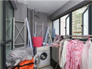 景江城市花园二手房-储物间