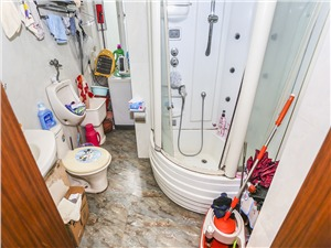 名仕家园二手房-卫生间