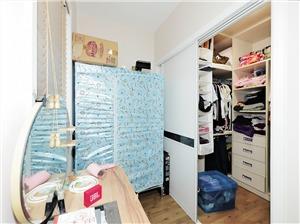 广福公寓二手房-衣帽间