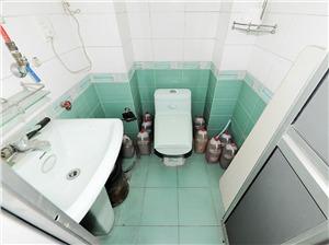 广福公寓二手房-卫生间