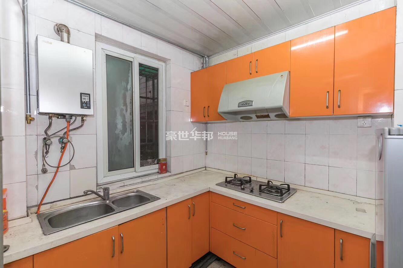 左家新村出租房-厨房
