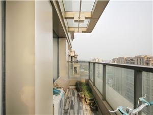 金色黎明三期二手房-阳台