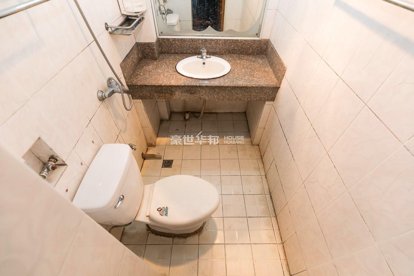 流水苑出租房-卫生间